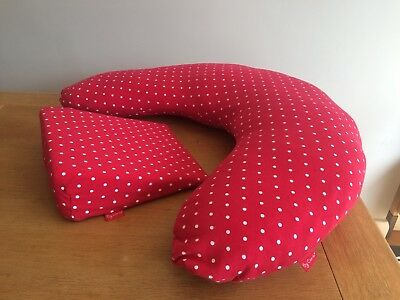 Carla Maternity/feeding pillow and wedge. Good condition. Inc spare pillow cover