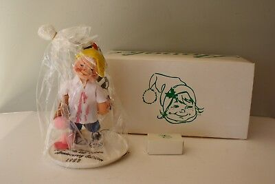 """1993 10th Anniversary Edition ANNALEE DOLL SOCIETY 7"""" Kid w/ Ice Cream WITH PIN"""