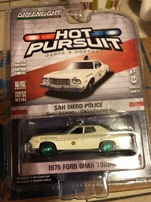 2018 GREENLIGHT   HOT PURSUIT   1975 Ford Gran Torino San Diego Police Chase RP