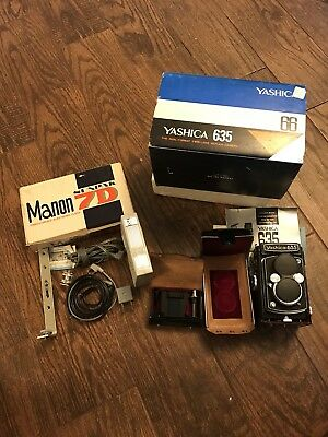 Yashica 635 Camera With lens cap and case And Manon Sunpak 7D Electronic Flash