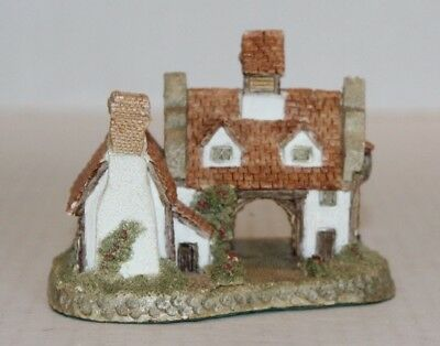 John Hine Studios The Schoolhouse by David Winter Hand Made in Great Britain