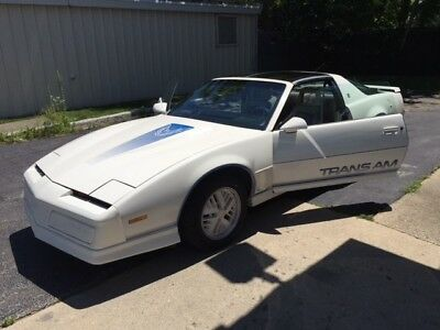 1984 Pontiac Trans Am 15th Anniversary T Tops Recaro Seats 1984 Pontiac Firebird Trans Am 15th Anniversary 1/1500 T-Tops Recaro Transam