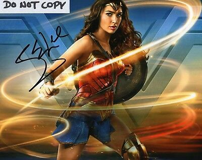 Gal Gadot Wonder Woman Sharpie Hand Signed Autograph 8X10 Photo Diana Prince
