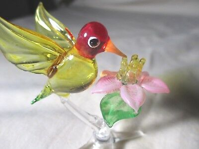 GORGEOUS  XL HAND-BLOWN ALL GLASS COLORFUL HUMMINGBIRD & PINK FLOWER  3 inches