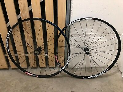 Novatec / Stan's Notubes Straight Pull Boost 29er LRS 28-Loch ZTR Crest
