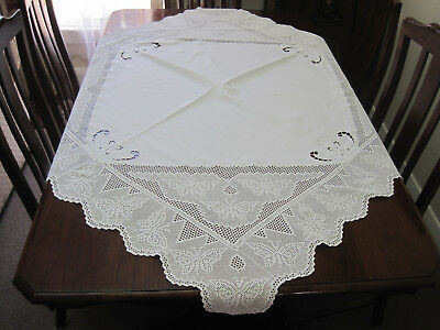 Gorgeous Butterfly Filet Crochet Lace Deep Border Tablecloth With Whitework Emb