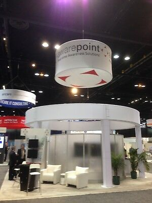 30x30 Exhibit Booth Clean, Contemporary Style