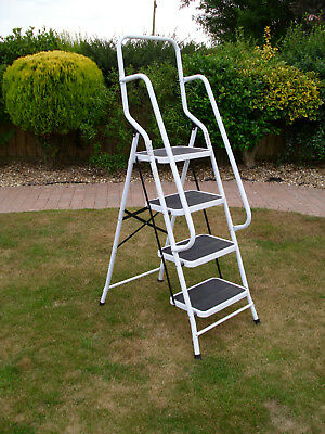 Genus 4 step safety ladder with hand rail and non slip treads