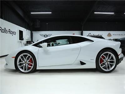 Huracan WHITE ON RED 2015 Lamborghini Huracan LP 610-4 2dr Coupe WHITE ON RED 5,537 Miles