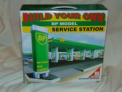 Build your Own BP Gas Service Station Car Wash Toy Model Kit .1995 Edition. NIB