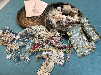 Vintage Sewing Basket with Tatting Lace Samples Thread and 2 Shuttles   75 pcs