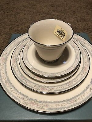 LENOX FINE CHINA CHARLESTON 5-PC PLACE SETTING ~ 7 Sets available