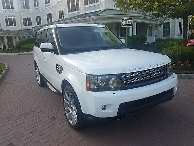 2013 Land Rover Range Rover Sport Luxury HSE 2013 Land Rover Range Rover Sport HSE  Luxury -- Fully loaded