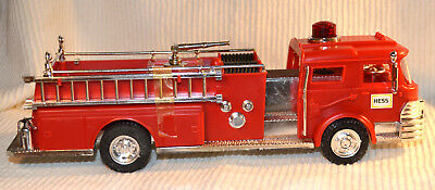 RARE Marx 1970 Hess Fire Truck Orig Box & Inserts Battery Card Complete MIB toy