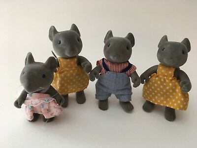 Sylvanian Families Vintage Thistlethorn Gray Mouse Family Calico Critters