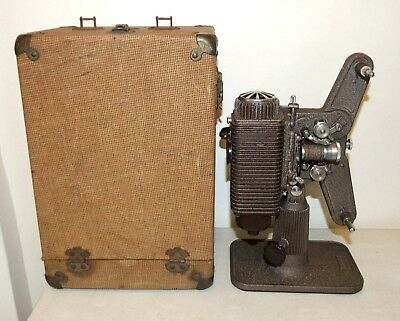 Vintage REVERE EIGHT PROJECTOR Model 85, 8mm Film Projector w/Case, WORKS
