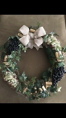 Burlap Wine Wreath With Grapes
