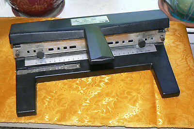 3 Hole Heavy Duty Paper Punch ACCO Model 440 74854, Metal 40 - 50 Pages Capacity
