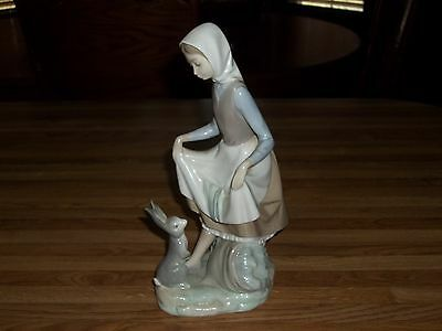 "LLADRO Retired Figurine D-9 MY  ""Rabbits Food"" Girl With Rabbit Retired"