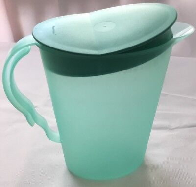 TUPPERWARE ALFRESCO 2.1 Litre 8 3/4 Cups Teal Green JUG