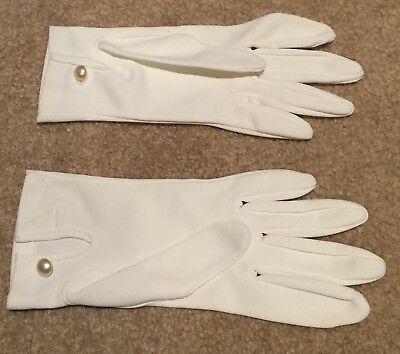 VN Vintage White GLOVES Pearl Button trim Wrist keyhole Miss M? stretchy