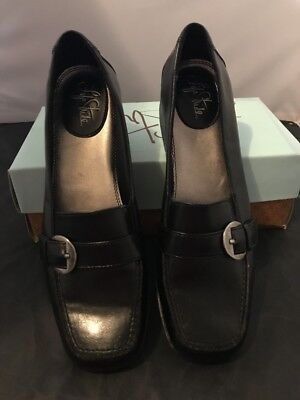 Brand New Womens Ladies Shoes Size 10 Life Stride Beth Black Loafer Slip-On
