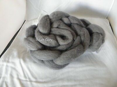 Hand Dyed REAL 100% Wool Fibre Roving   Silver Grey 29micron 100g
