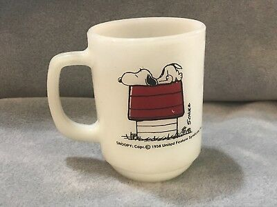 """COLLECTIBLE 1958 Snoopy Peanuts Fire King Mug """"I THINK I'M ALLERGIC TO MORNING!"""""""