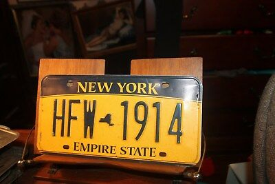 2010 New York Empire State License Plate HFW 1914