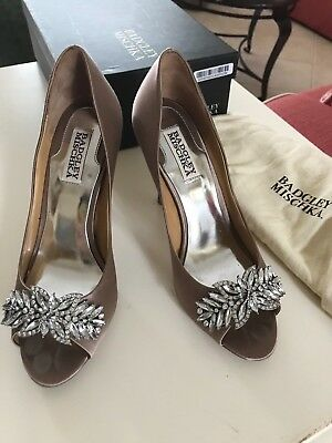 "Badgley Mischka Buzz Formal Pumps Taupe Satin 4"" Heel Wedding Shoes Size 7.5"