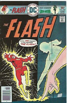 FLASH 242 ( DC, 1976 ) VFN - condition, with Green Lantern