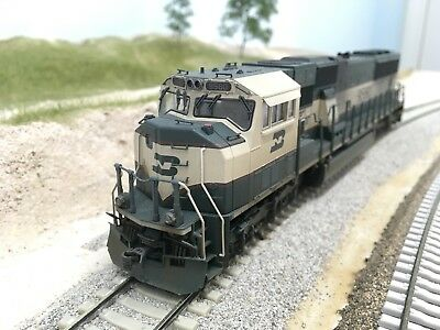 Weathered HO Scale KATO Burlington Northern (BN/BNSF) SD70MAC w/DCC