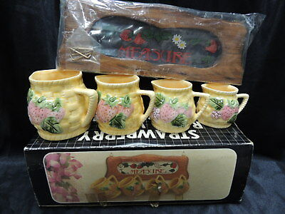 Vintage Strawberry Wooden Rack with 4 Measuring Cups