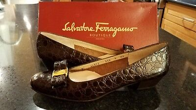 Salvatore Ferragamo Boutique Brown Croc Vara Bow Shoes Size 9AAAA