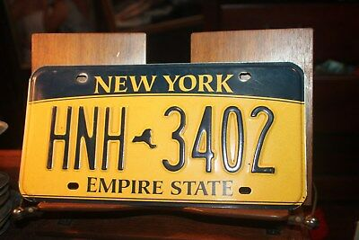 2010 New York Empire State License Plate HNH 3402