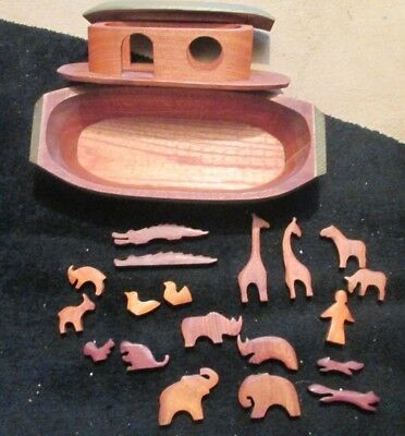 Large Wooden Noah's Ark Toy / Play Set 40cm x 20cm -approx.