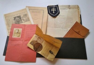 WW1 US Army lot- ID'd soldier photos, workers permit, patch, discharge papers