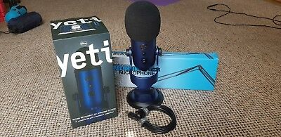 BLUE Yeti Professional USB Microphone - Midnight Blue + Screen + Recording Stand