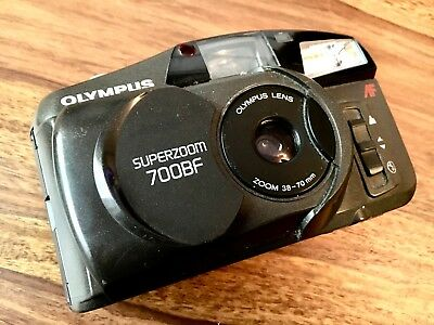 Olympus Superzoom 700 BF Kompaktkamera mit AF 38-70mm Optik