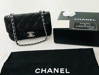 8e3a07454c50 CHANEL MINI CLASSIC Flap Bag Black With Silver Hardware Excellent ...