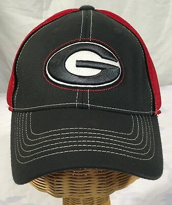 c1a428ad003 University of Georgia Bulldogs - Elastic Band Hat Cap Red   Black H718 NCAA