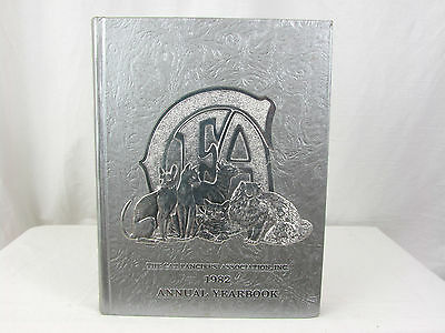 1982 The Cat Fanciers Association Annual Yearbook CFA - 700 Pages+ W/ Cat Photos