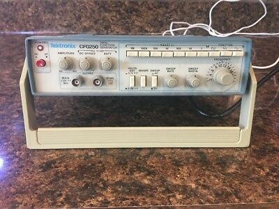 Tektronix CFG250 2Mhz Function Generator, Fully Functional, Good Condition