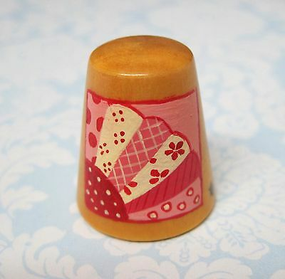 Hand Painted Signed Numbered Thimble Grandmother's Fan Quilting Block Pattern M7