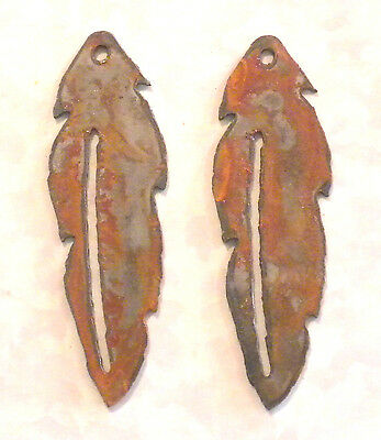 Lot of 2 Feathers 4 inch Rough Rusty Rustic Vintage Metal Wall Art Craft Stencil