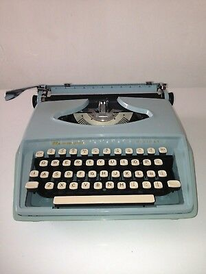 Vintage 60´s Typewriter Color Blue Free Shipping + Supper Offer  Used Very Good.