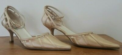 MISCHIEF Wedding Shoes Champagne Gold NWOB Size 7 Strappy Diamonte Buckles