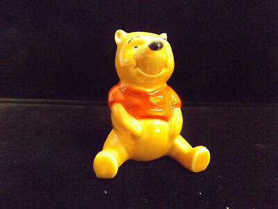 BESWICK Pooh FIGURE WALT DISNEY from WINNIE THE POOH Collection England