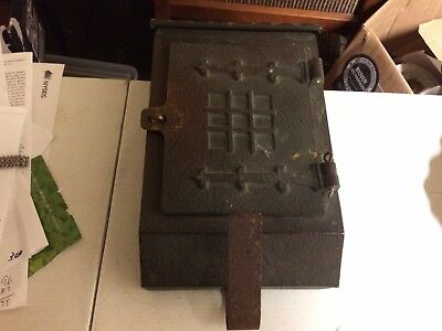 Antique Arts & Crafts Hand Hammered Solid Copper Mailbox American Device MFC Co.