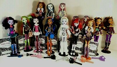 Monster High Dolls first wave + 2nd wave + signature dolls all in vgc no 15